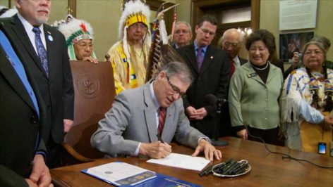 Governor Inslee signs resolution